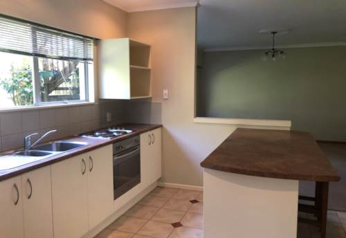 Mairangi Bay, Spacious 1brm flat Excellent location, Property ID: 19002236 | Barfoot & Thompson