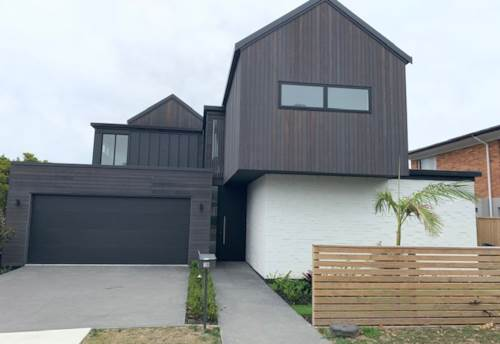 Takapuna, Immaculate modern home in sort after area, Property ID: 19002253   Barfoot & Thompson