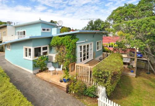 Murrays Bay, Family Living by the Beach in Murrays Bay, Property ID: 19002257 | Barfoot & Thompson