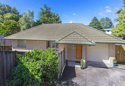 Howick, Three bedroom in the heart of Howick (Pets Negotiable), Property ID: 17002526 | Barfoot & Thompson