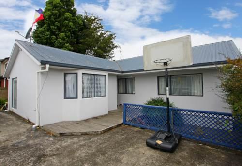 Papakura, Lovely sunny home, Property ID: 20001685   Barfoot & Thompson
