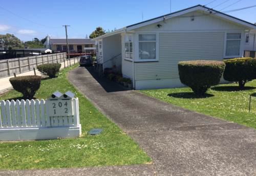 Manurewa, Royal on Russell!, Property ID: 20001926 | Barfoot & Thompson