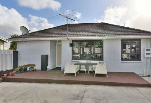 Manurewa, Magical on Maich!, Property ID: 20001946 | Barfoot & Thompson