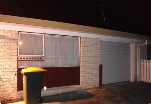 Mangere East, Great on George!, Property ID: 20002229 | Barfoot & Thompson