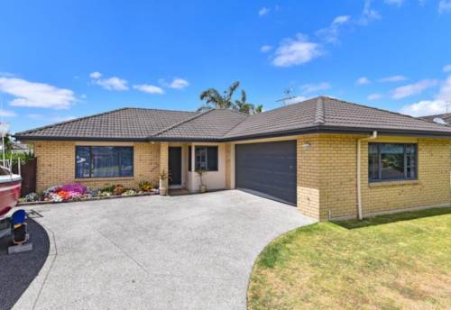 Wattle Downs, Just simply Beautiful !, Property ID: 20002248 | Barfoot & Thompson