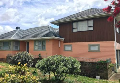 Mangere East, The Big bold and beautiful !, Property ID: 20002264 | Barfoot & Thompson