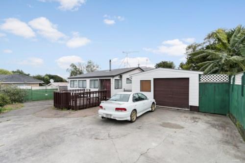 Manurewa, 1/2 Scotts Road, Manurewa , Property ID: 20002457 | Barfoot & Thompson