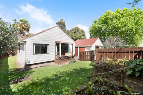 Manurewa, 3/12 Halsey Road - Water Included , Property ID: 20003497 | Barfoot & Thompson