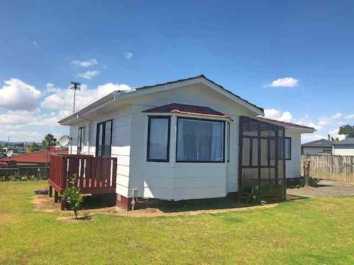 Manurewa, So Much More on Maplesden Dr!, Property ID: 20003524 | Barfoot & Thompson