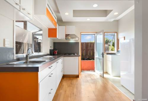 Manurewa, Ideal layout for families with teenagers!, Property ID: 20003533 | Barfoot & Thompson