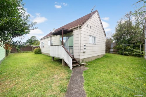 Papatoetoe, Property on Kenderdine , Property ID: 20004553 | Barfoot & Thompson