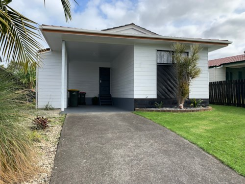 Manurewa, Stunning on Secretariat!, Property ID: 20004554 | Barfoot & Thompson