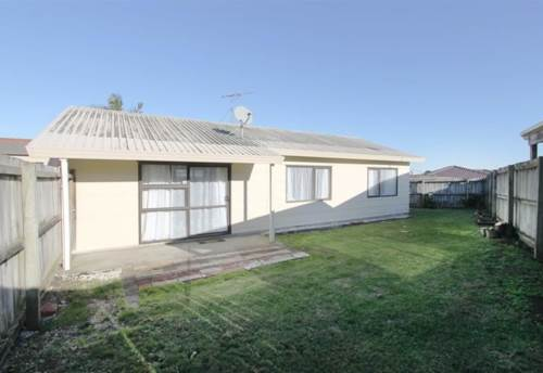 Manukau City, 3 beddie INCLUDES Water, Property ID: 20004557 | Barfoot & Thompson