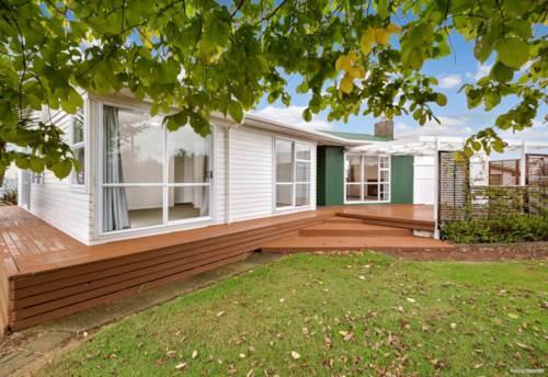 Manurewa, Fresh, Clean, beautiful, Property ID: 20004559 | Barfoot & Thompson