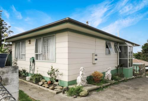 Clendon Park, SO MUCH SPACE!, Property ID: 20005621 | Barfoot & Thompson
