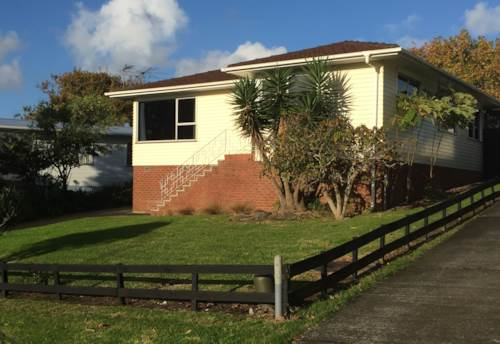 Glendene, FREE STANDING FAMILY HOME , Property ID: 21000356 | Barfoot & Thompson