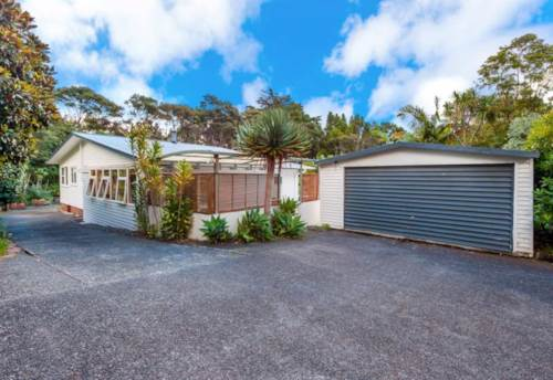 Titirangi, Park like surrounds., Property ID: 21000404 | Barfoot & Thompson