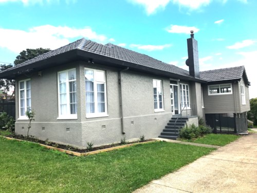 Te Atatu South, CHARM THAT YOU CANNOT IGNORE, Property ID: 21001451 | Barfoot & Thompson
