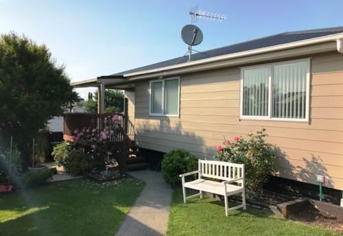 Te Atatu South, Fabulous on Fairlea , Property ID: 21001515 | Barfoot & Thompson