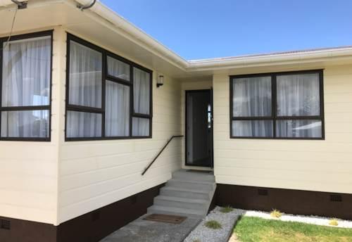 Kelston, Newly renovated Kiwi classic , Property ID: 21001518 | Barfoot & Thompson