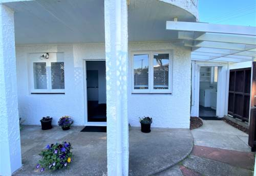 Milford, CUTE & AFFORDABLE IN GREAT LOCATION, Property ID: 22000682 | Barfoot & Thompson