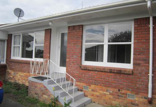 Takapuna, GREAT CENTRAL LOCATION, Property ID: 22000751 | Barfoot & Thompson