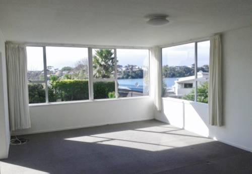 Milford, APARTMENT IN SUPERB LAKESIDE POSITION, Property ID: 22000755 | Barfoot & Thompson