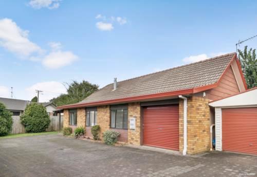 Papakura, Brick & Tile - Perfect Location !, Property ID: 810395 | Barfoot & Thompson