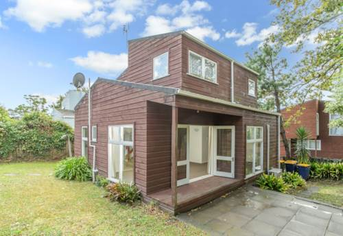 Glen Eden, Spacious Townhouse Living!, Property ID: 27000121 | Barfoot & Thompson