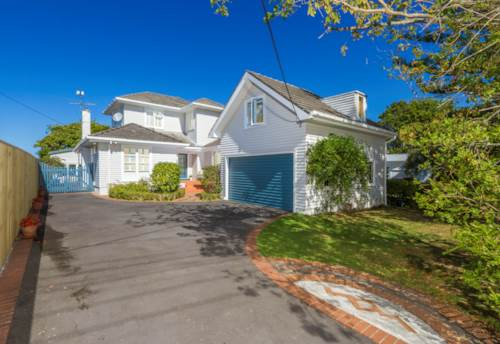 Campbells Bay, Gracious Living - Ultimate Family 1/4 Acre, Property ID: 22000845   Barfoot & Thompson