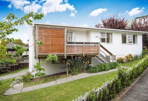 Forrest Hill, 60's BUNGALOW IN WESTLAKE ZONE, Property ID: 22000870 | Barfoot & Thompson