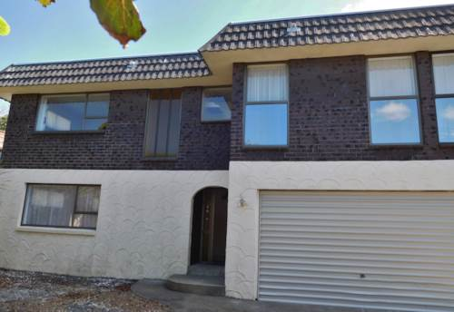 Milford, SUPERB TOWNHOUSE IN RANGITOTO TERRACE, Property ID: 22000940 | Barfoot & Thompson