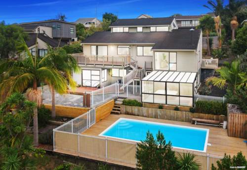 West Harbour, Legal Home & Income with Stunning Views, Property ID: 810289 | Barfoot & Thompson