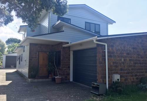 Manly, LARGE FAMILY LIVING NEAR THE BEACH, Property ID: 22001970 | Barfoot & Thompson