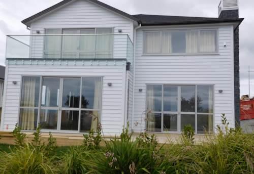 Long Bay, BRAND NEW STUNNER IN LONG BAY, Property ID: 22001985 | Barfoot & Thompson
