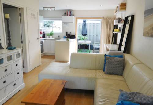 Milford, GORGEOUS ONE BEDROOM APARTMENT ON GOLDEN MILE, Property ID: 22001988 | Barfoot & Thompson