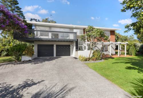 Hillcrest, Trendy & Tropical living in the Heart of the Shore, Property ID: 810074 | Barfoot & Thompson