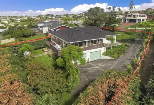 Northcote, FANTASTIC FOUR BEDROOM HOME IN NORTHCOTE, Property ID: 22002002 | Barfoot & Thompson