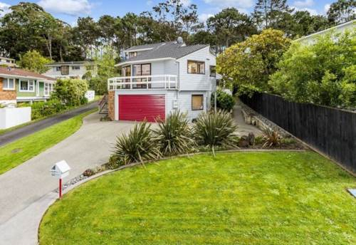 Forrest Hill, SUNNY FAMILY HOME IN WESTLAKE ZONE!  , Property ID: 22004052 | Barfoot & Thompson