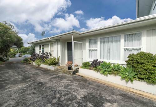 Takapuna, Tidy and sunny unit in a central location, Property ID: 22005065   Barfoot & Thompson