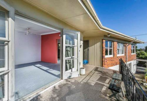 Northcote, 4 bedrooms Home in Northcote, Property ID: 22005174 | Barfoot & Thompson