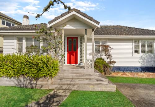 Hauraki, Four Bedroom, Two Bathroom Hauraki Home, Property ID: 22005175 | Barfoot & Thompson