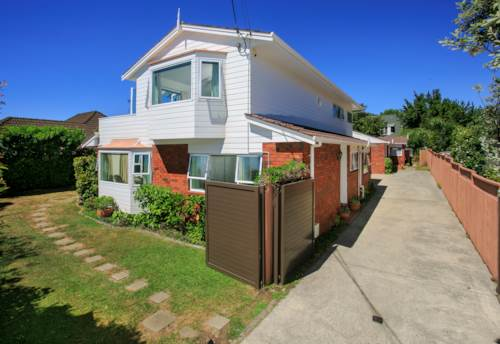 Takapuna, Golden location suits your family needs , Property ID: 22005177 | Barfoot & Thompson