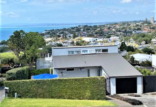 Castor Bay, SHORT TERM Furnished Two Bedroom with Seaviews, Property ID: 22005209 | Barfoot & Thompson