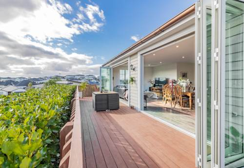 Millwater, Single Level Entertainer's Delight, Property ID: 810014 | Barfoot & Thompson