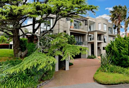 Orakei, Award Winning Brent Hulena Design , Property ID: 23001344   Barfoot & Thompson