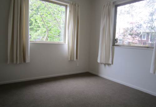 Henderson, ROOM FOR THE FAMILY, Property ID: 16000872 | Barfoot & Thompson