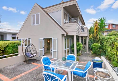 Manly, Fantastic Location, Property ID: 810630 | Barfoot & Thompson