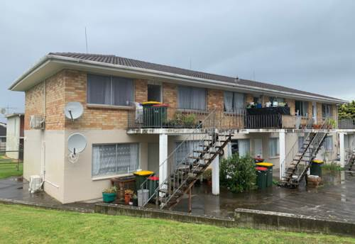 Papatoetoe, 2 Bedroom Unit - INCLUDES WATER AND LAWNS, Property ID: 36000103 | Barfoot & Thompson