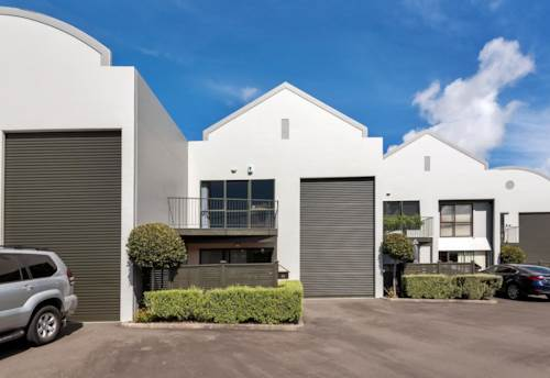 Rosedale, Sunny Studio Warehouse - 120sqm, Property ID: 810732 | Barfoot & Thompson